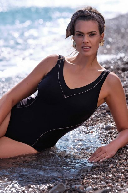 Коригиращ цял бански костюм с оформени чашки без банели в зелено или черно Lisca Fashion Ancona 2021