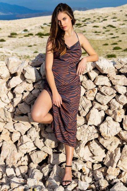 Лятна рокля с презрамки с тънки презрамки в кафяво или синьо Lisca Fashion Lima 2021